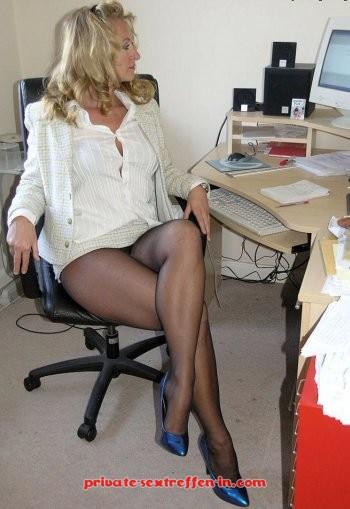 Tabulose Sekretärin sucht private Ficktreffen